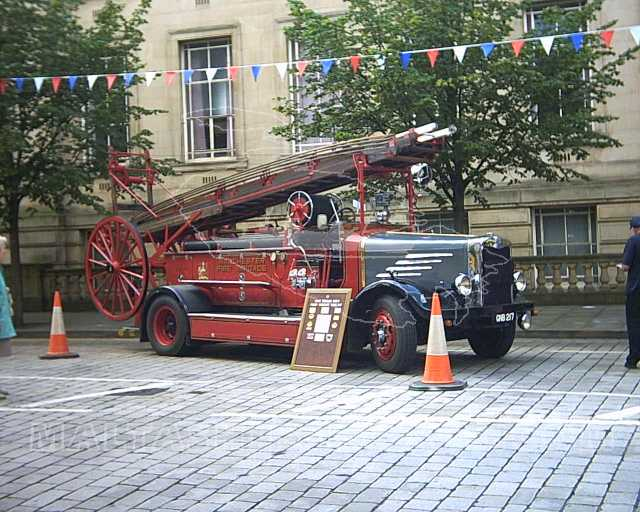 GNB217 Dennis with turntable ladder