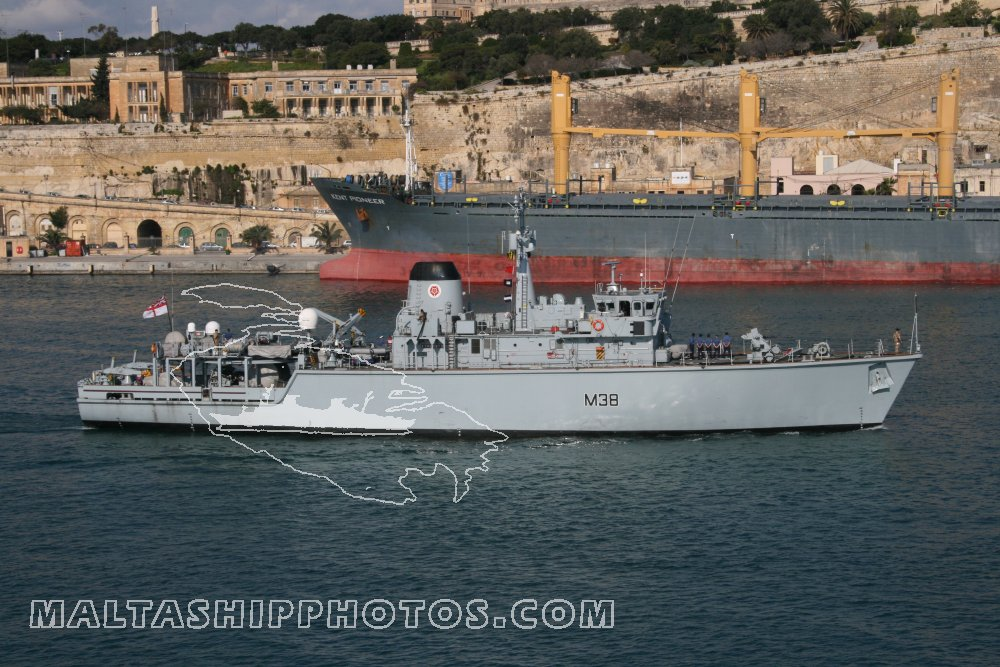 Royal Navy - Hunt Class - M 38 HMS Atherstone - 13.02.2008