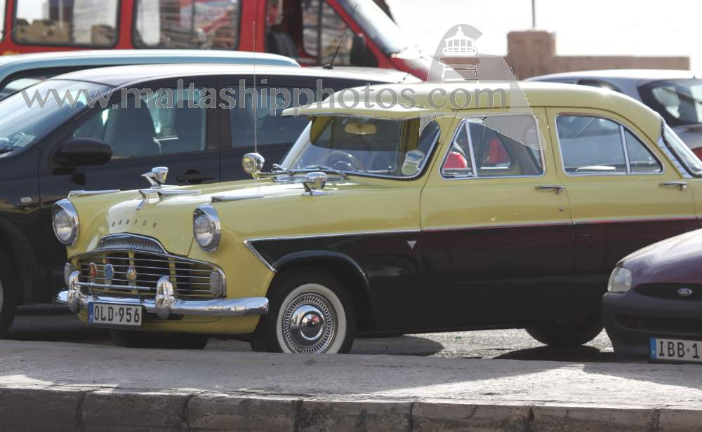 Ford Zodiac - OLD-956 - 09.01.2011